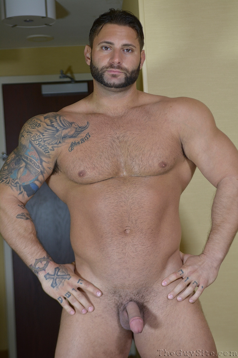 TheGuySite-Mike-Buffalari-naked-bodybuilding-29-years-old-big-muscle-hunk-bigger-beefier-V-Shaped-torso-huge-thighs-shape-002-tube-download-torrent-gallery-photo