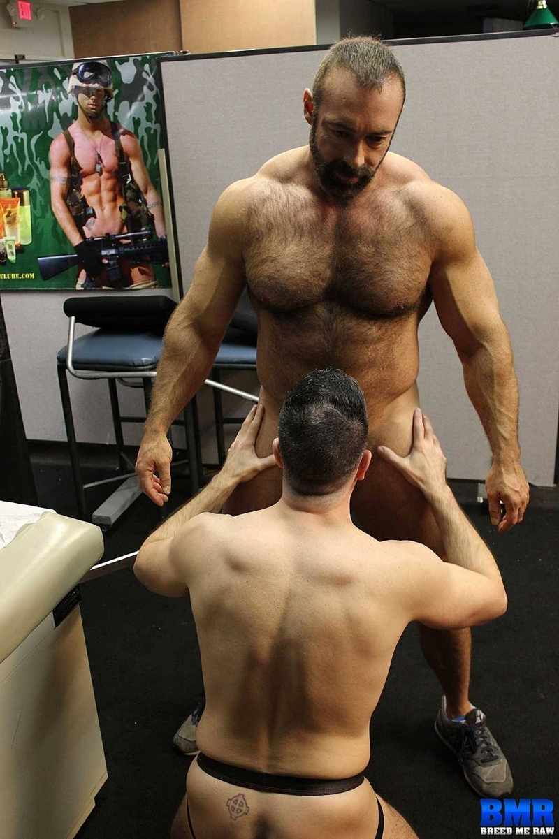 BreedMeRaw-Nick-Muscle-Daddy-gay-porn-star-Brad-Kalvo-cock-sucking-fucker-top-raw-ass-fucking-bareback-002-tube-video-gay-porn-gallery-sexpics-photo