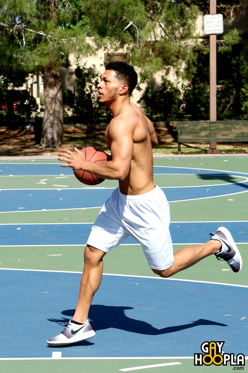 GayHoopla-Sexy-black-muscle-stud-Andre-Temple-basketball-star-chiseled-ripped-six-pack-abs-Greek-god-like-torso-statue-huge-muscled-dick-002-gay-porn-video-porno-nude-movies-pics-porn-star-sex-photo