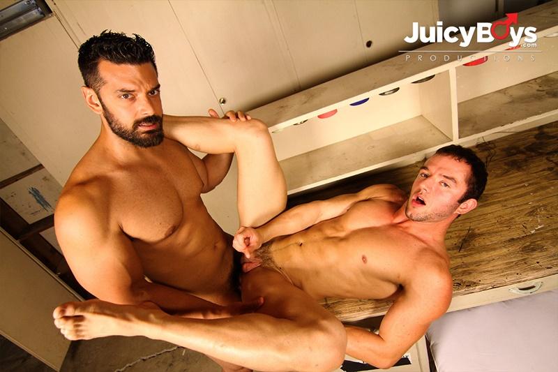 JuicyBoys-naked-muscle-boys-Logan-Cruise-Marcus-Ruhl-bareback-hot-built-young-men-rent-college-guy-suck-big-erect-long-cock-cum-load-ass-08-gay-porn-star-tube-sex-video-torrent-photo