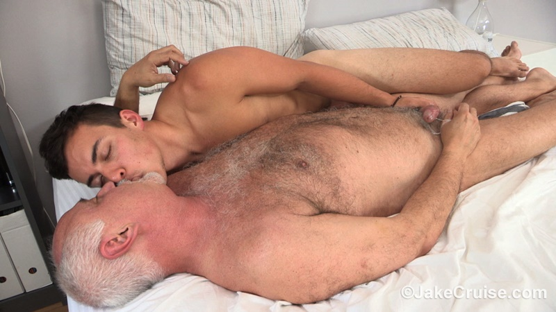JakeCruise-young-sexy-naked-dude-David-Plaza-kiss-Jake-Cruise-huge-dick-older-man-younger-guy-smooth-asshole-cocksucker-anal-rimming-024-gay-porn-sex-gallery-pics-video-photo